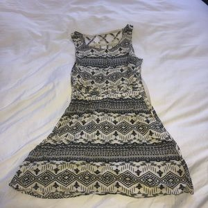 Dividend Patterned size 4 dress